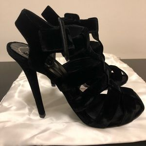 Shoes - Roger Vivier Velvet Stilettos. Like New Size 40.